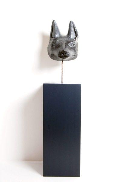 Schakalskopf, Speckstein, H 15,5cm, L 16cm, Höhe mit Sockel 56cm, 490-€