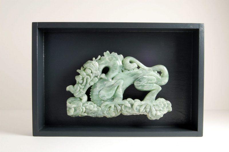 Drache Speckstein, H 20cm, B 30cm (inkl. Holzkasten), 480,-€