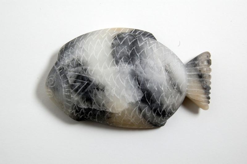 Speckstein, grau, Rückseite, beidseitig beschnitzt, Replik einer Schminkpalette aus dem Roemer- und Pelizaeusmuseum Hildesheim, 340,-€