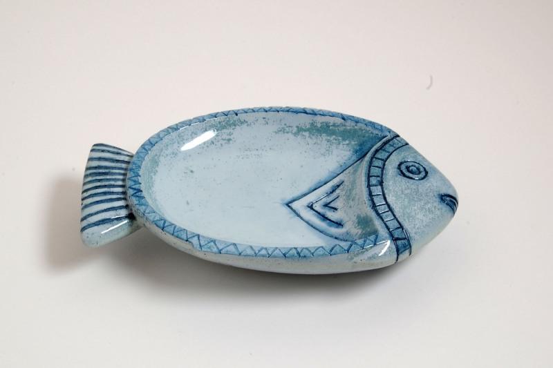Fisch Steinguss, bemalt und glasiert, 110,-€