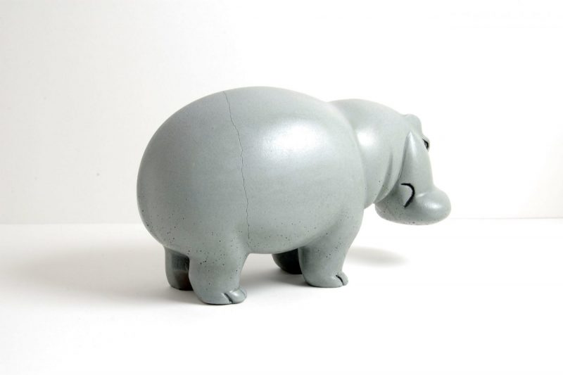 Nilpferd Steinguss, bemalt und glasiert, H 11,5 cm, L 20 cm, 285,-€