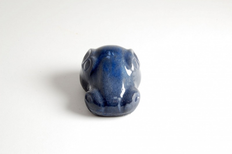Nilpferdkopf Steinguss, bemalt und glasiert, 6x4,5x3,5cm, 35,-€